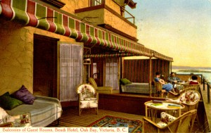 Oak Bay Beach Hotel. Postcard circa 1930s/40s. Collection of John and Glenda Cheramy.