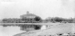 The Mount Baker Hotel stood where the Devonshire Apartments are today, across Beach Drive from the Oak Bay Marina; built 1892, destroyed by fire 1901. Courtesy Oak Bay Archives.